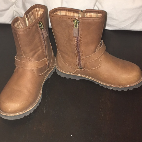 Brown Toddler 11 Uggs, worn once